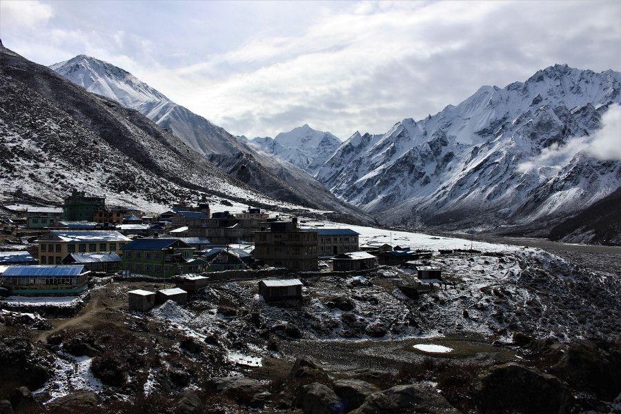 Kanjin Gompa and Langtang mountains