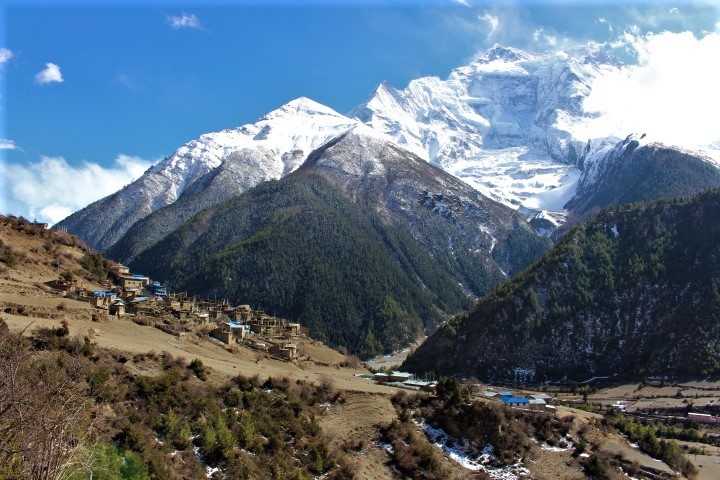 Upper Pisang and Annapurna 4